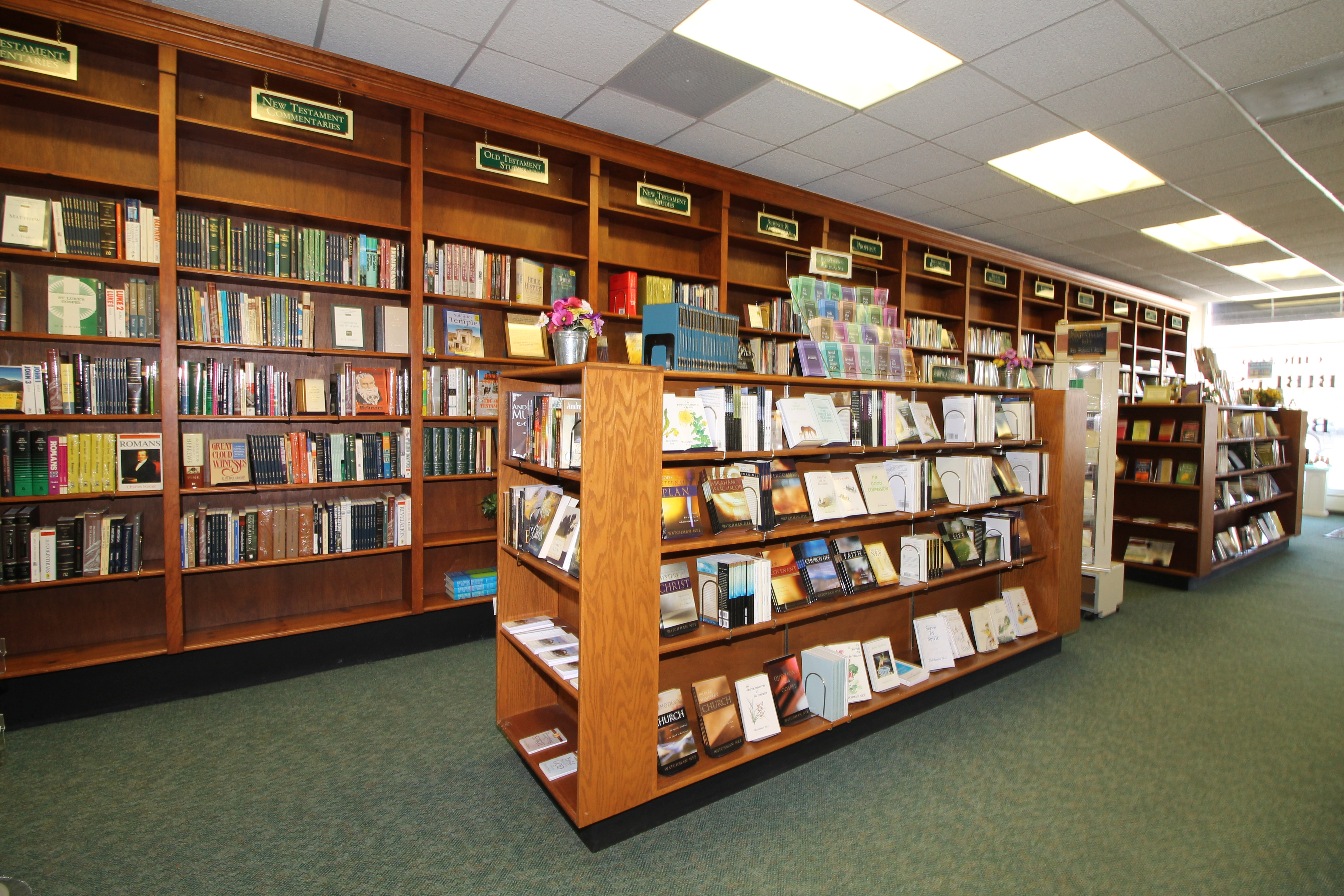 Chicago Bibles & Books